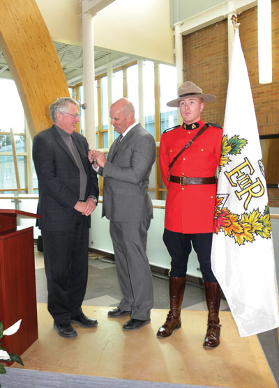 Dr Rubidge awarded Queens Diamond Jubilee Medal